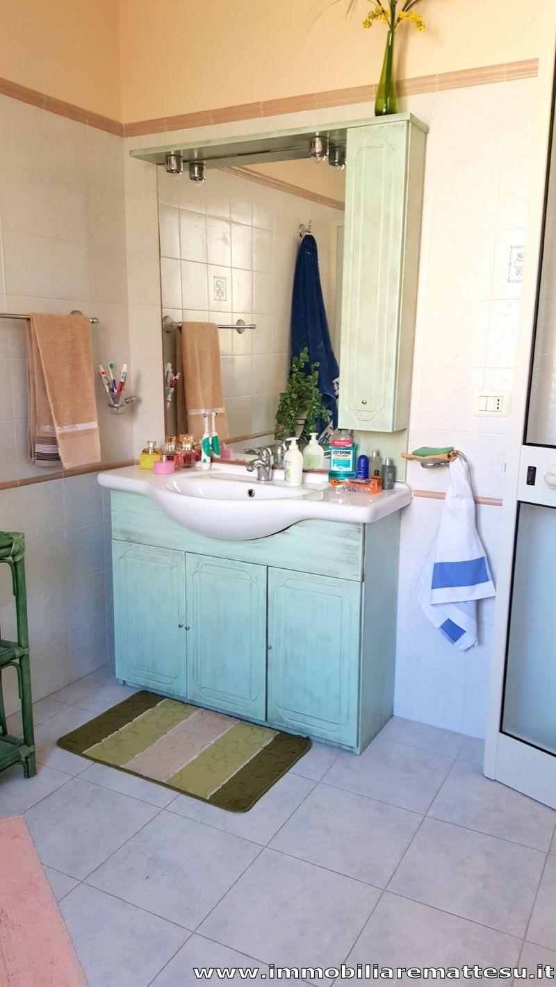Immobiliare mattesu appartamento centralissimo con posto for Garage per auto singola con appartamento